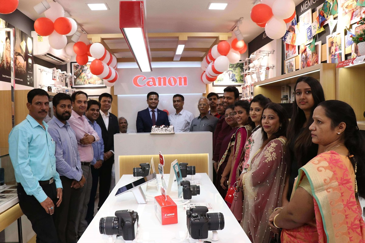 Canon India Forays into Rohtak with the First Canon Image Square Store