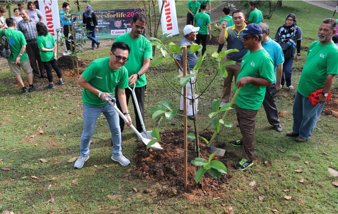 Canon Making the Community Greener through 'One Canon, One Tree'
