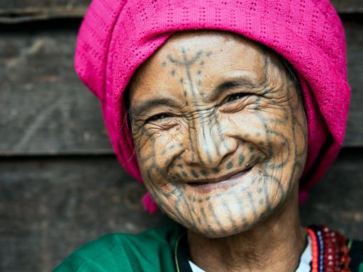 「緬甸欽族部落之旅」用影像記錄即將消失的臉部刺青文化 - EOS R X 吳建衡 Ed Wu